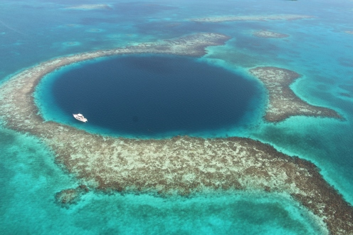 The blue hole reef in Belize