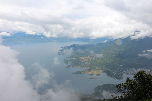 travel and backpacking in Guatemala volcanos lake atitlan
